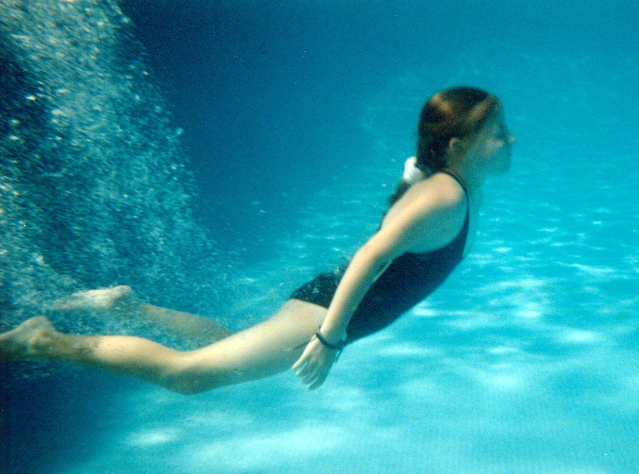 Плавать голая скрытая видео 54