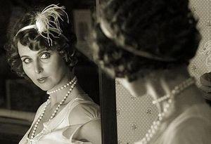 Сексуальное возбуждение от своего отражения в зеркале